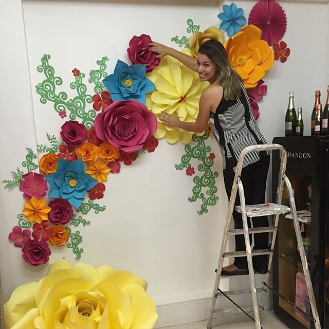 Flores de papel gigante pinteres for Papel de decoracion