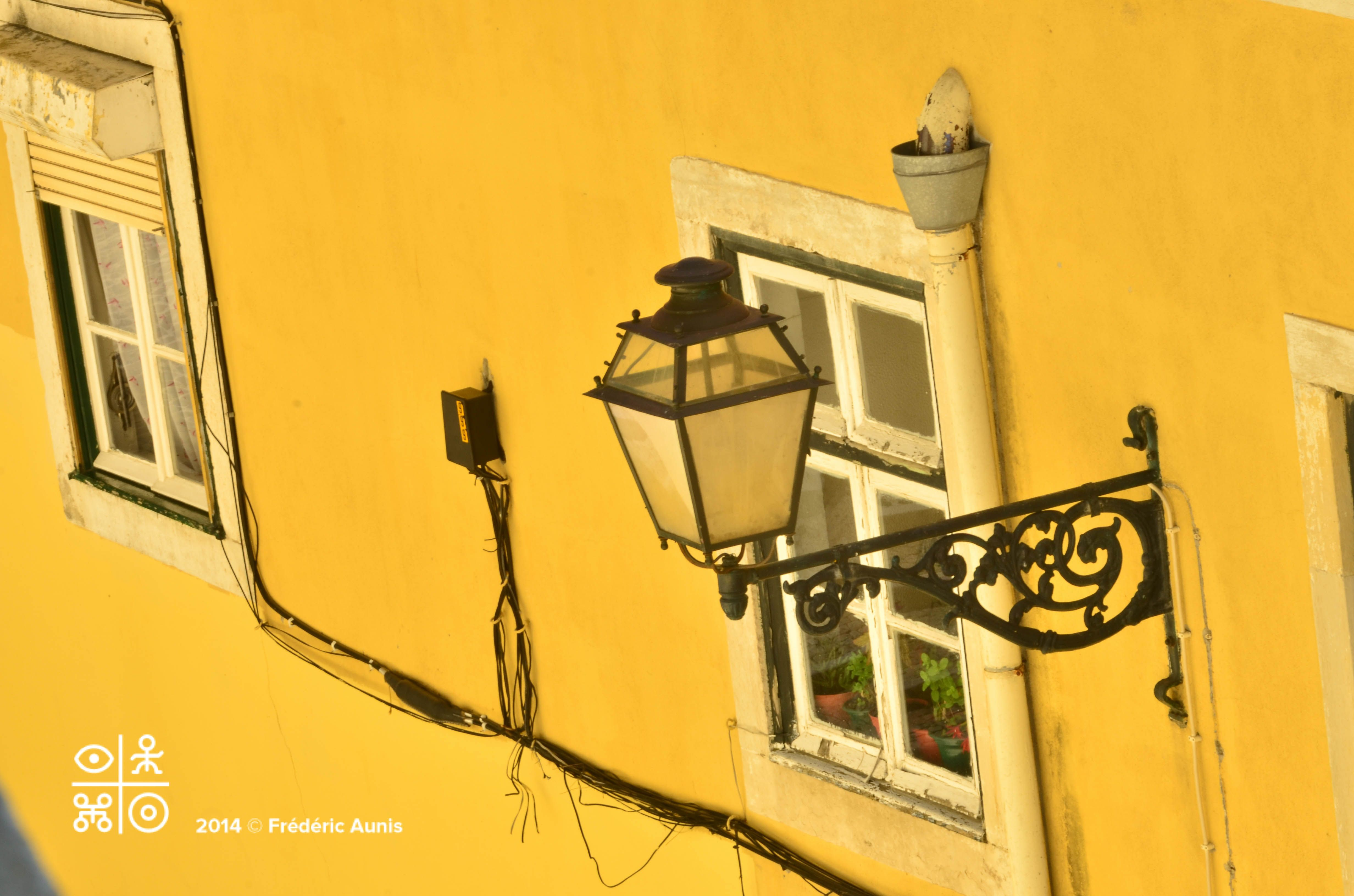 """Yellow Brick Walls"": experiencing mindfulness in the streets of the Alfama. Alfama, Lisboa, Portugal. Nikon D7000, zoom 200mm, opening 2,8"