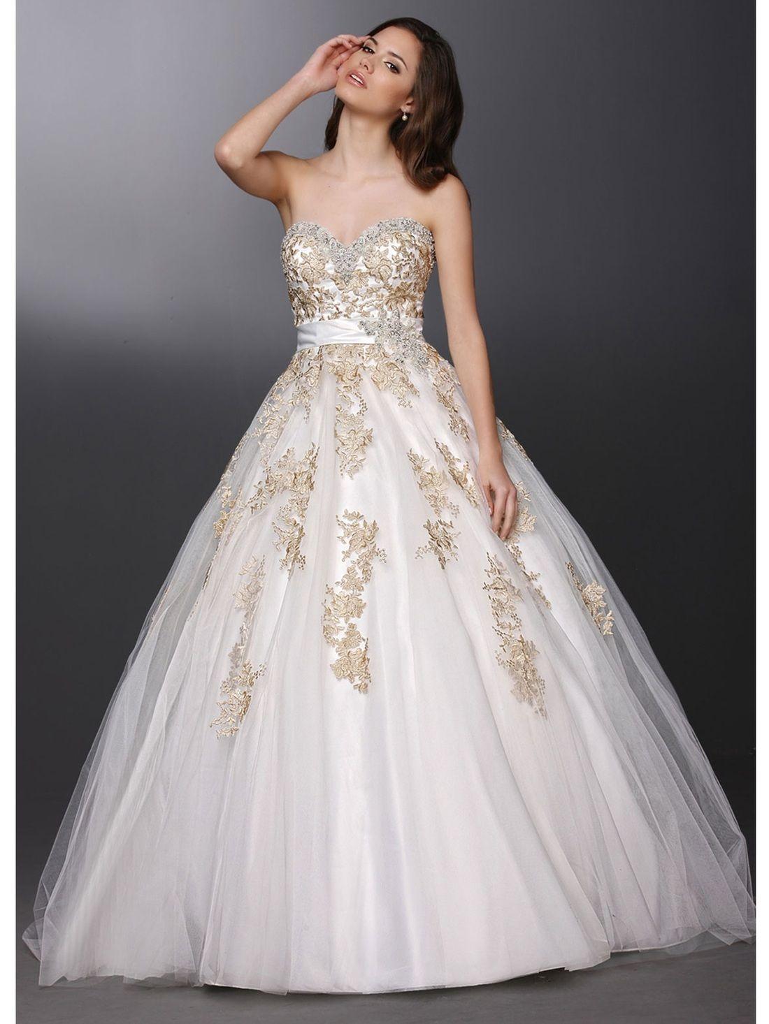 Lovely sweetheart neckline wedding dress with a full ball gown skirt
