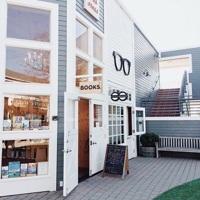 Beautiful photo of Diesel Bookstore in Larkspur, CA by @bizzzecky