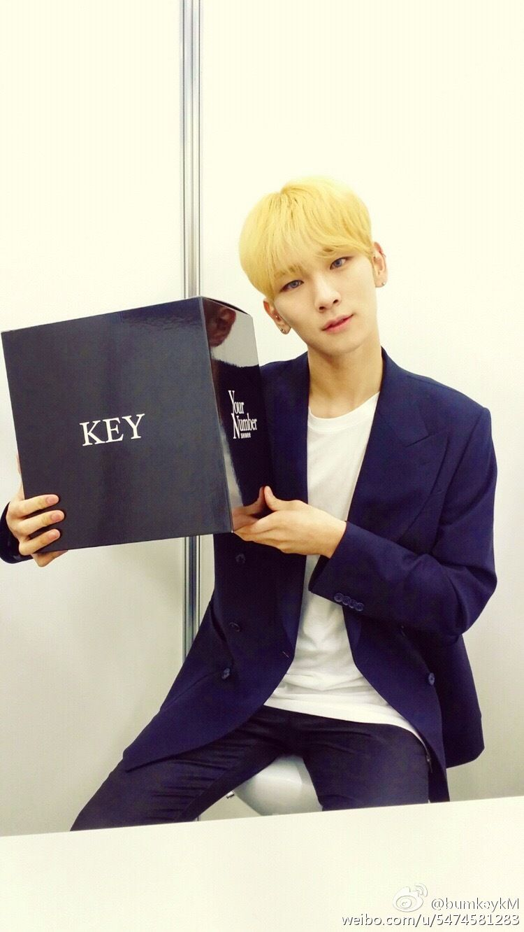 """{PICS} 150312 Key's Weibo (@/bumkeykM): """"How are you doin my freaks & Can I get your number.."""" 