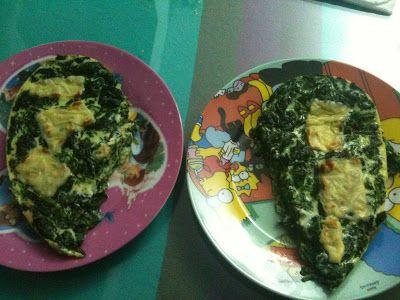 Carmen Blasco: RECETA HEALTHY: Tortilla de espinacas al horno  INGREDIENTES  (para 2 personas) 1 bloque de espinacas (yo compro el de Mercadona) 4 huevos o 2 huevos y 3 claras 1 loncha de queso light