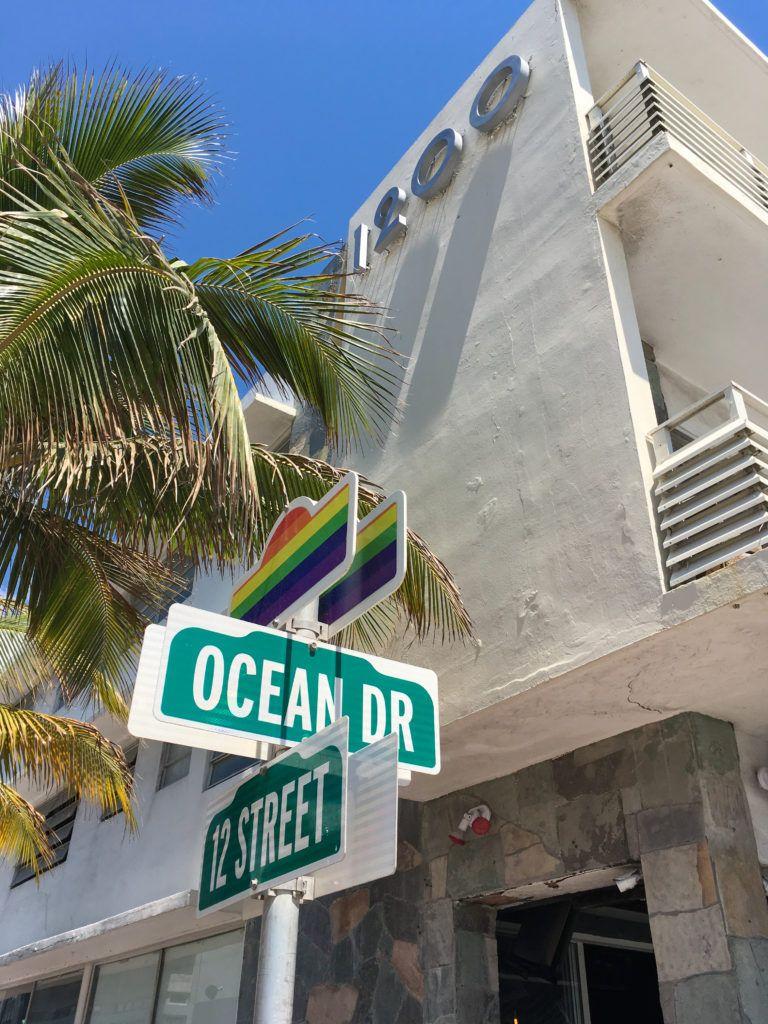 Miami Beach Florida Sehenswurdigkeiten Mit Ocean Drive Strandhutten Art Deco Miami Beach Florida Strand Hutte