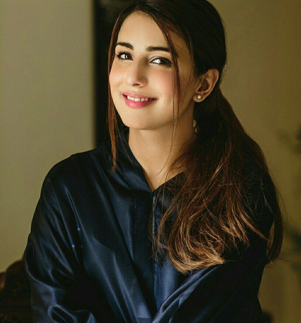 Ushna Shah Pakistani Actress Pakistani Girl Ushna Shah