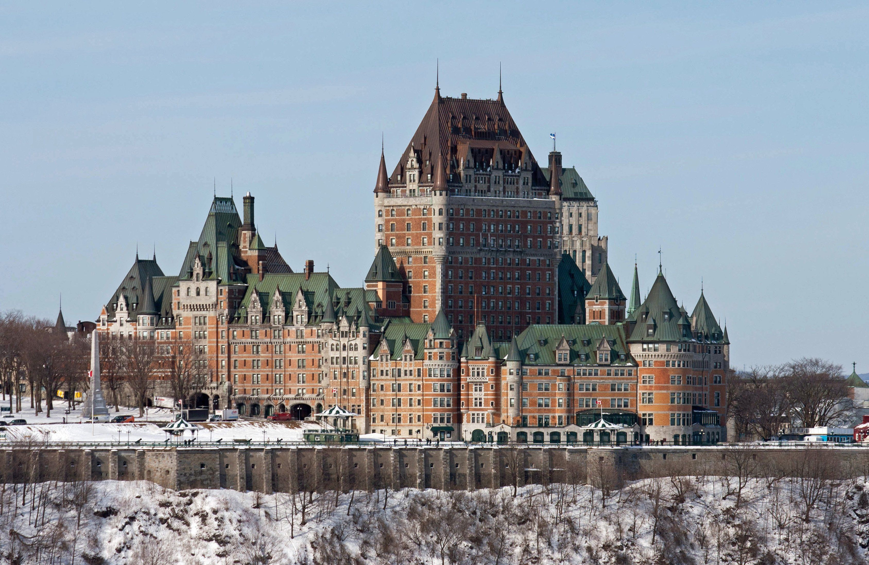 What Are The Dimensions Of The Roof Of The Chateau Frontenac Entire Building Is 79 9m Tall Building Architecture Frontenac Quebec City Beautiful Castles