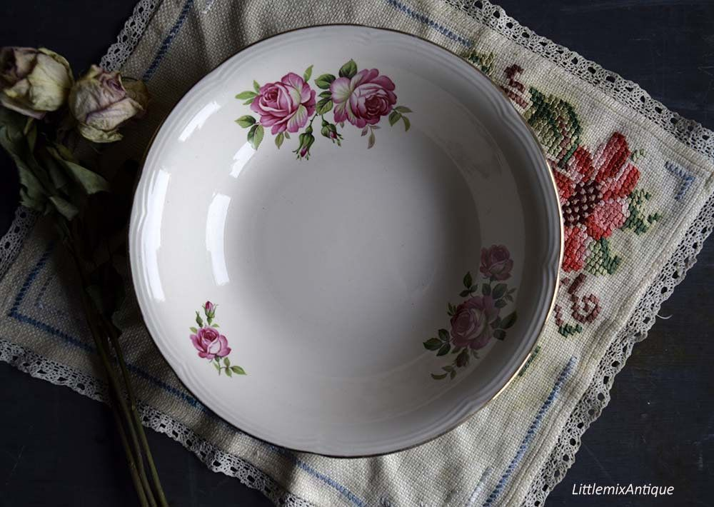 Vintage Barratts Of Staffordshire England Roses Design Serving Bowl Retro English Tableware Romantic Roses Decor Cottage Chic Chinaware Rose Decor Cottage Chic Tableware