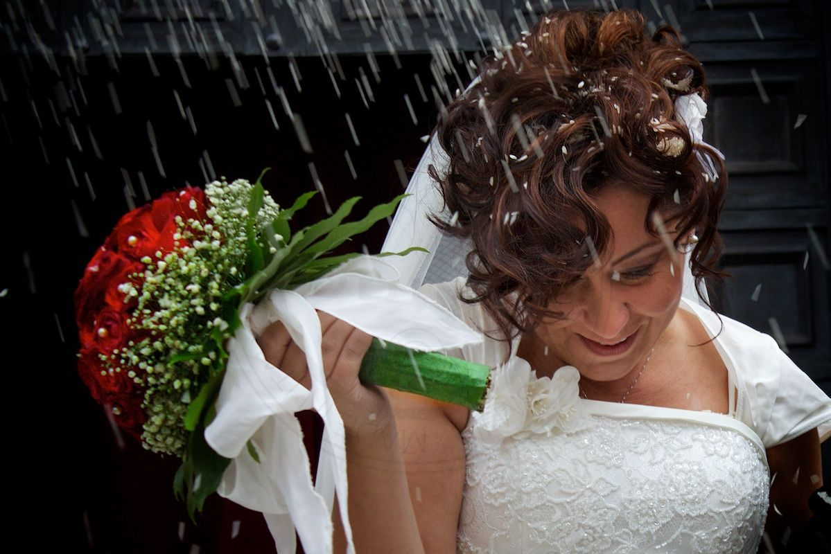 a romantic woman picture of the wedding day