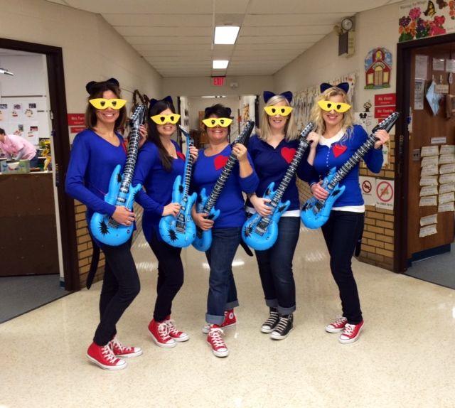 Kindergarten Teachers dressed like Pete the Cat on Halloween! So FUN! & Kindergarten Teachers dressed like Pete the Cat on Halloween! So FUN ...