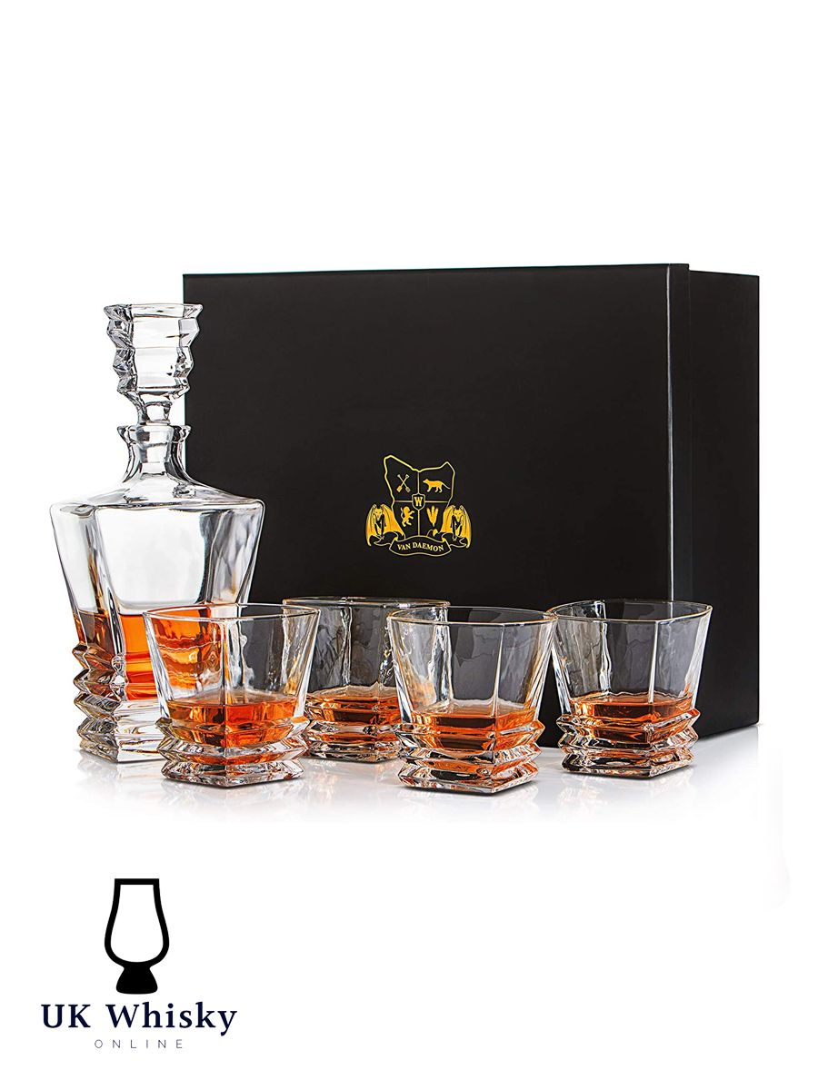 BEAUTIFULLY CRAFTED WHISKY DECANTER WITH STOPPER & 4