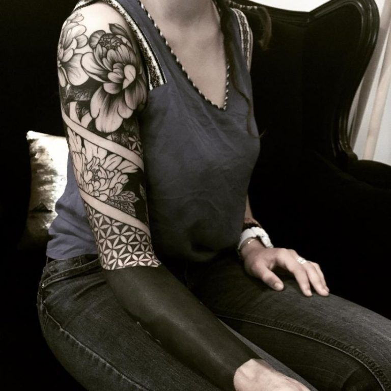 These Striking Solid Black Tattoos Will Make You Want To Go All In Solid Black Tattoo Badass Sleeve Tattoos Tattoos