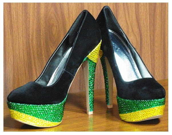 68db55b9c2aa3 Jamaican...   shoes in 2019   Jamaica outfits, Glitter heels ...