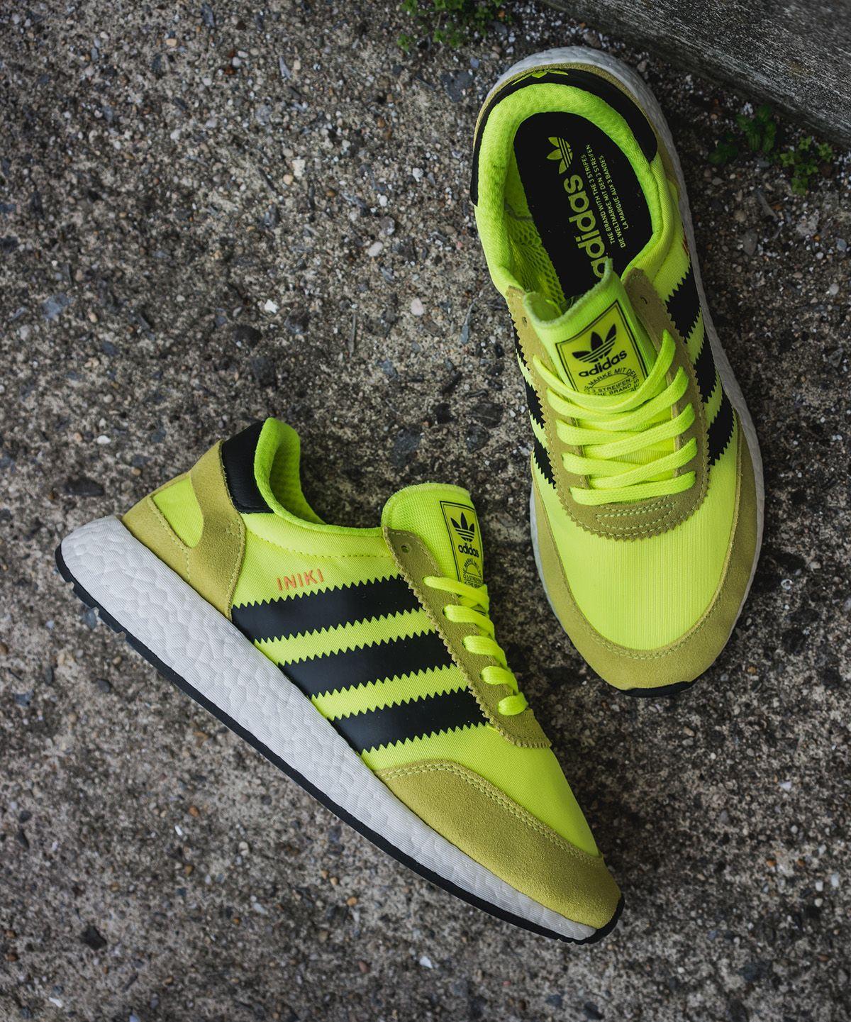 Adidas iniki runner giallo solare dell'calci: scarpe da ginnastica magazine