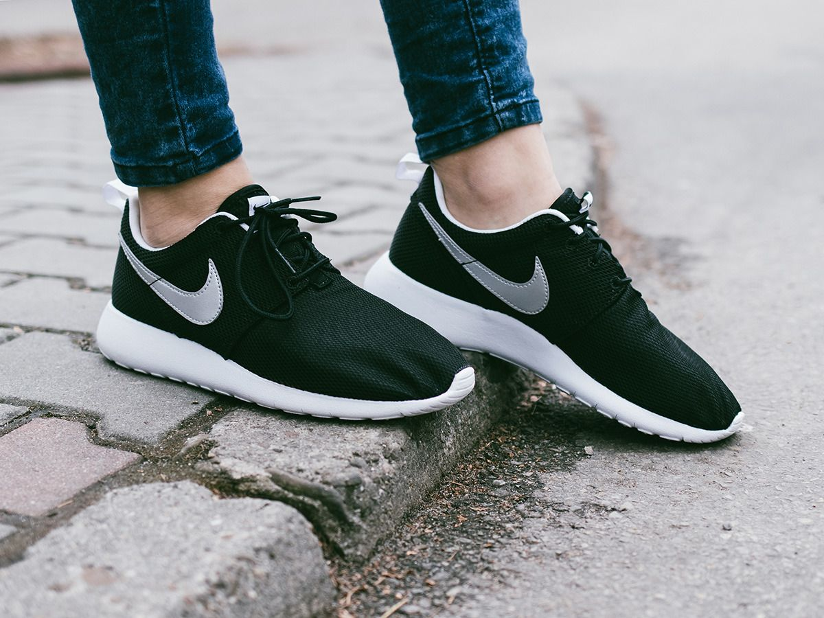7544cbc2cfea Women s Shoes sneakers Nike Roshe One (GS) 599728 021