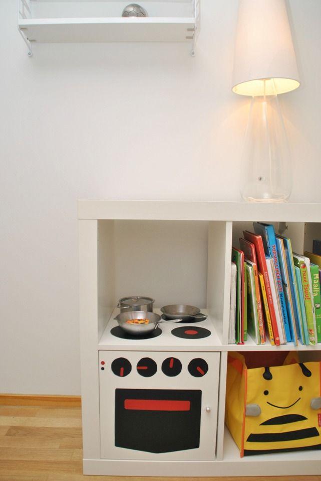 Sunnuntailapset: Ikea Expedit = leikkikeittiö