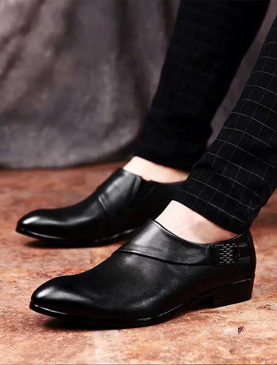 dress shoe with layered buckle strap