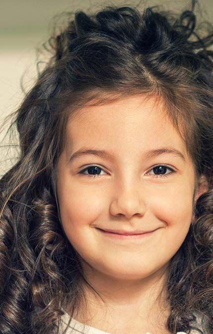 Vite, des idées de coiffures pour petite fille aux cheveux