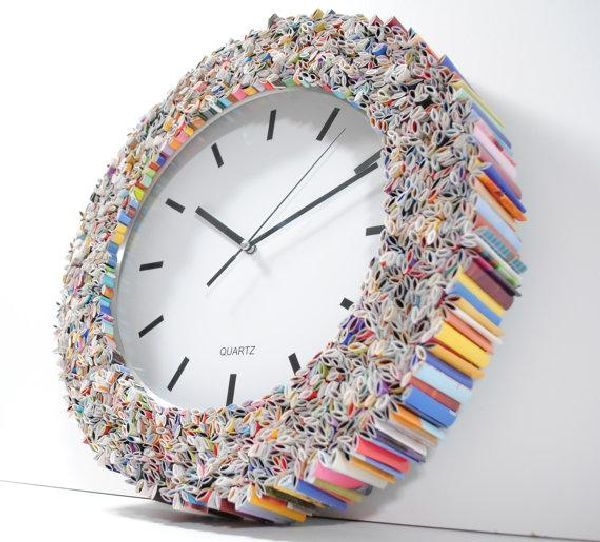 Magazine Wall Clock Designers turn old magazines into a trendy