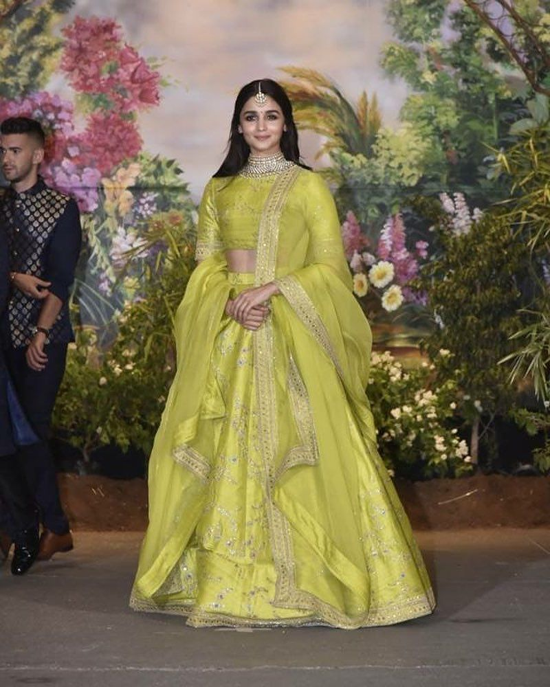 Alia Bhatt in this gorgeous lehenga | Bollywood lehenga, Designer lehenga choli, Lehenga choli