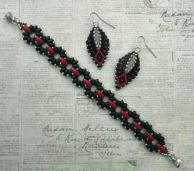 Linda's Crafty Inspirations: Claudia & Russian Leaf Set - Jet & Red