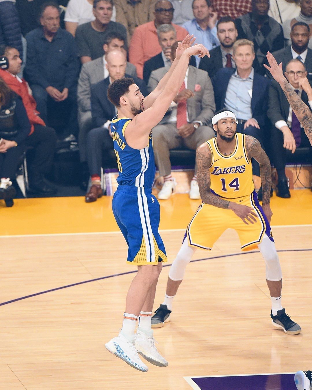Los Angeles California 1 21 19 Klaythompson Showcased Another Outburst On Scoring 44 Points As He Became First P Klay Thompson Nba Champions Nba Players