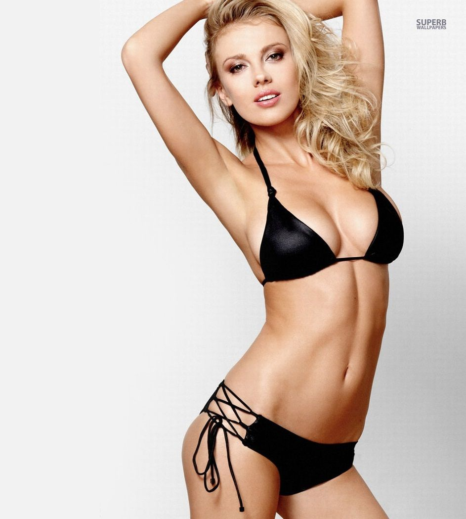 bar paly naked sexy
