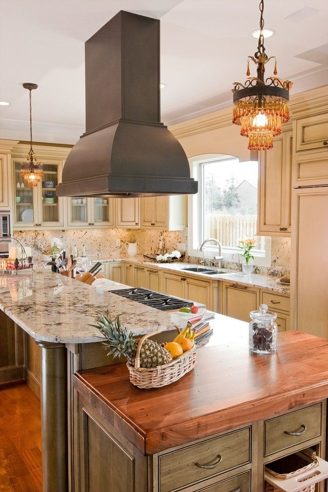 Free Hanging Vent Hood Like The Mini Chandeliers Too Island With Stove Kitchen Island With Seating Kitchen Layout