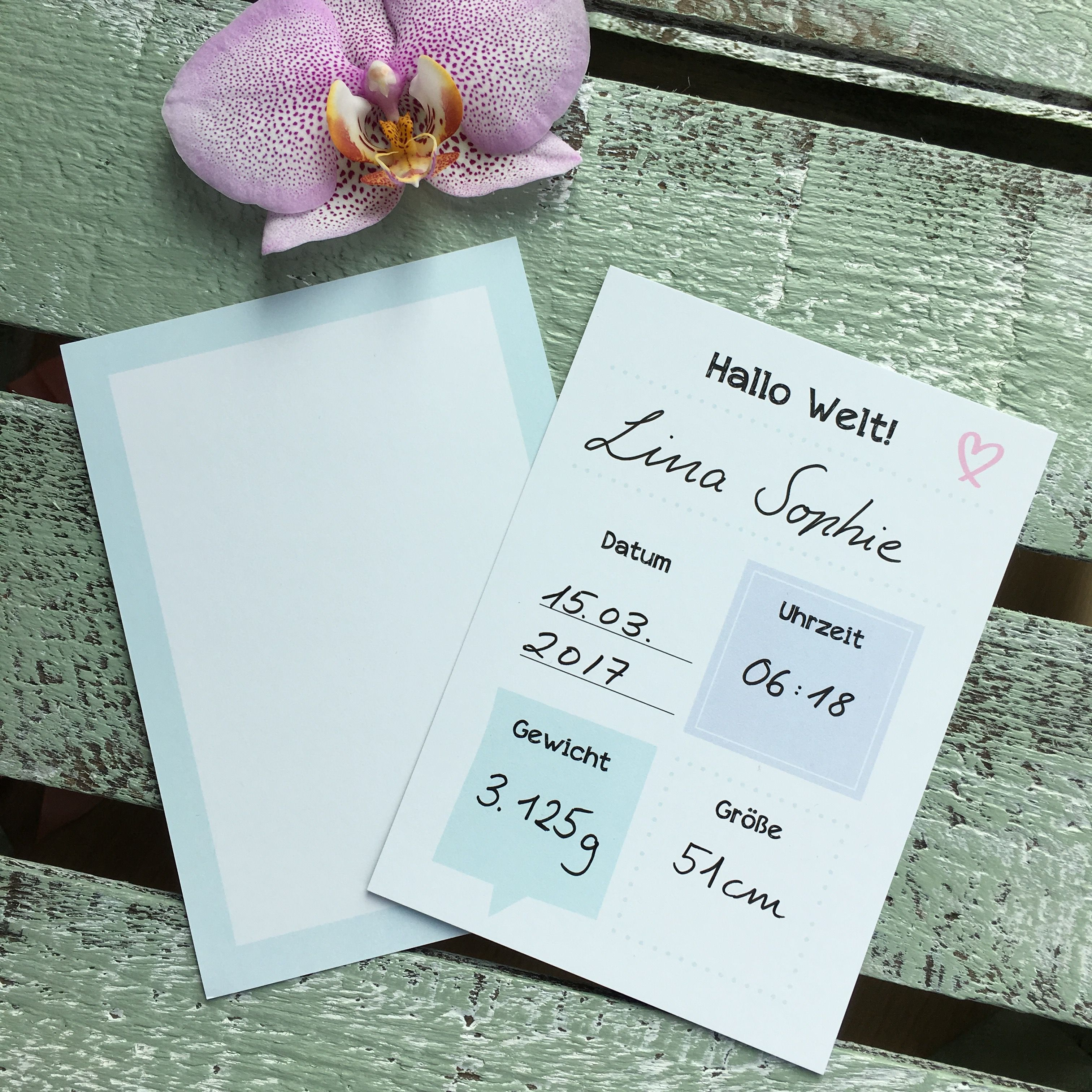 """Geburtskarte """"Hallo Welt"""" - Auf unserer Geburtskarte kannst du die Geburtsdaten deines Baby festhalten - zum Verschenken oder fürs Babyalbum."""