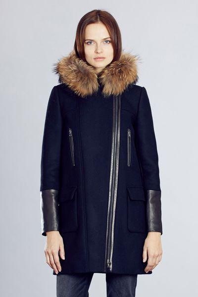 912d11e5dd038 Manteau femme, automne-hiver 2015-2016. Manteau en drap de laine Gerson,  Zapa, 585 euros.