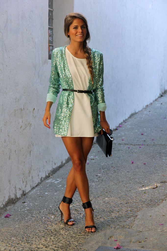 Lindo!! Porém o vestido precisaria ser aproximadamente até o comprimento dos joelhos.