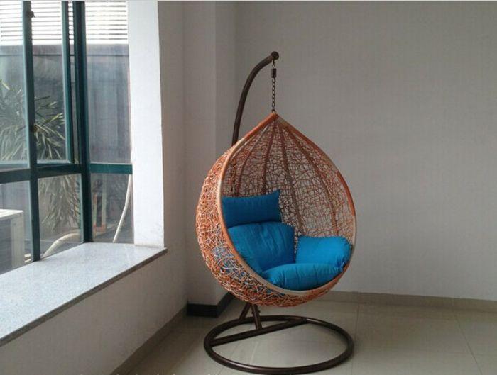 Simple h ngesessel mit gestell aus rattan schlicht blauee sitz