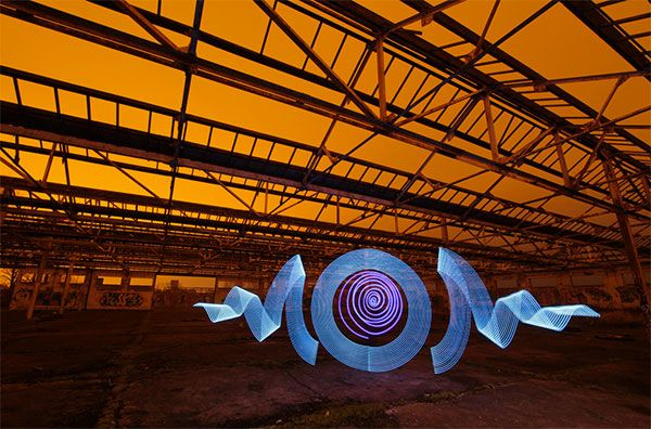 30 Mind Blowing Examples of Light Graffiti