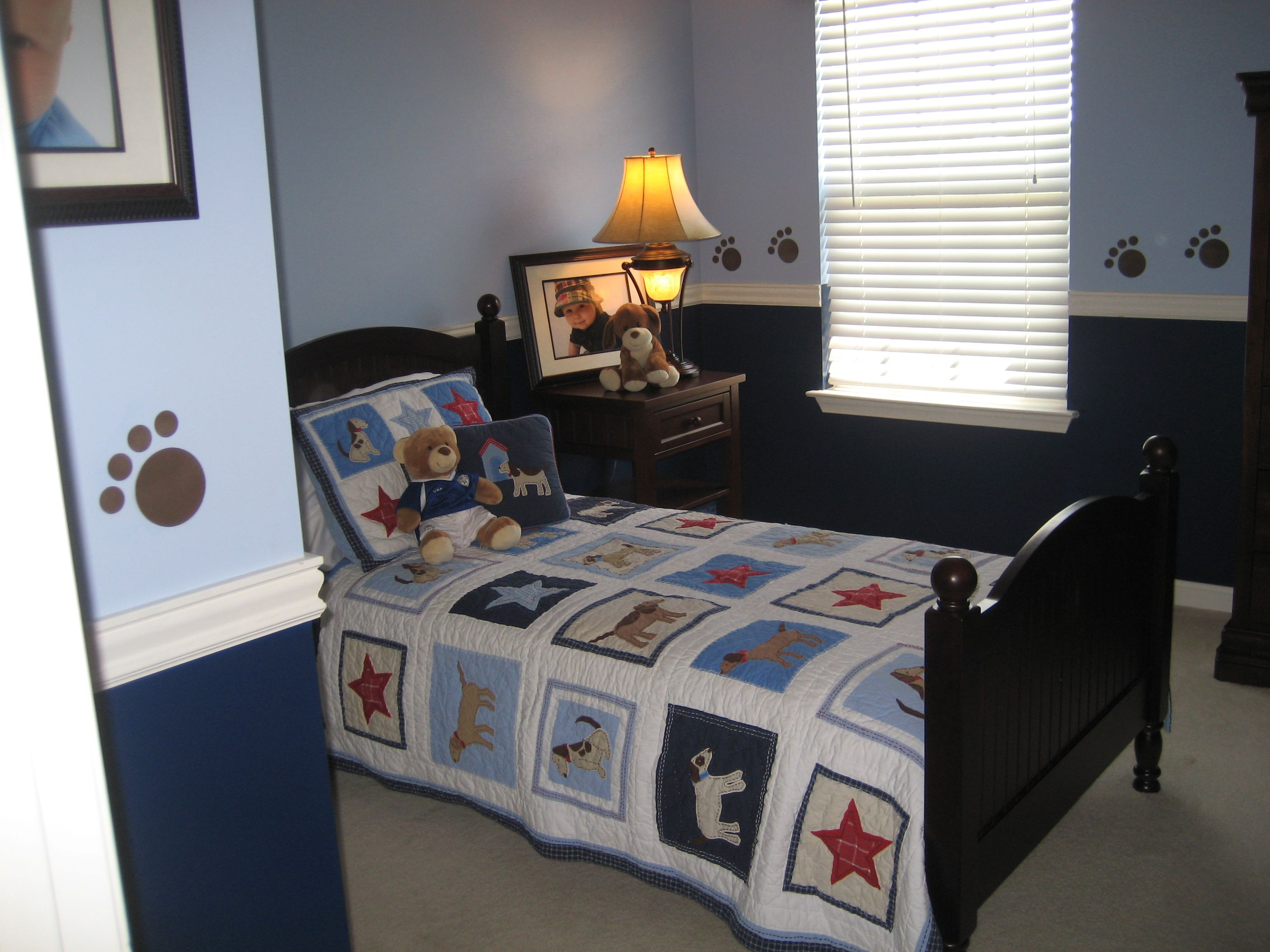 Little boys puppy dog bedroom. Dark Blue Light Blue Paw prints ...