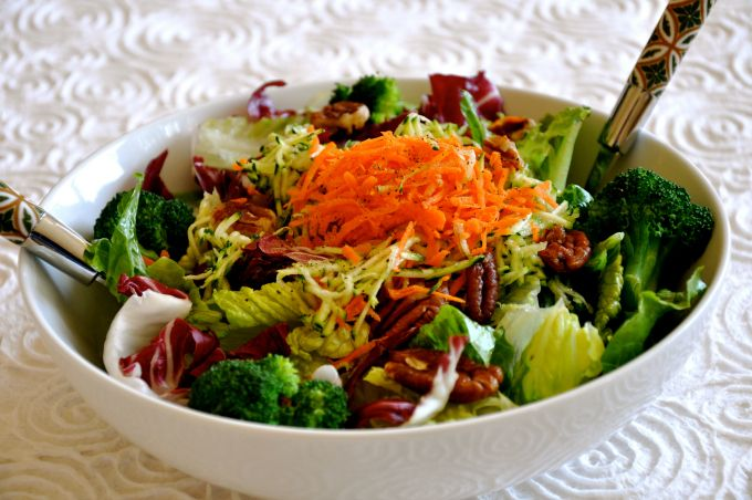 Summer Salad with Grated Vegetables, Candied Pecans & Oil Free Salad Dressing