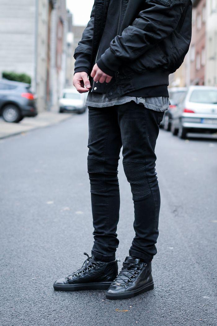 3a7b5e408080a Urban streetwear oufit with a pair of Balenciaga Arena sneaker ...