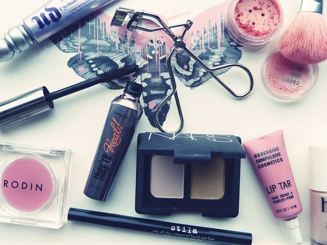 Blog Beauty Buys by nicolettesara....I want to try the Obsessive Compulsive Cosmetic line and Benefit mascara/