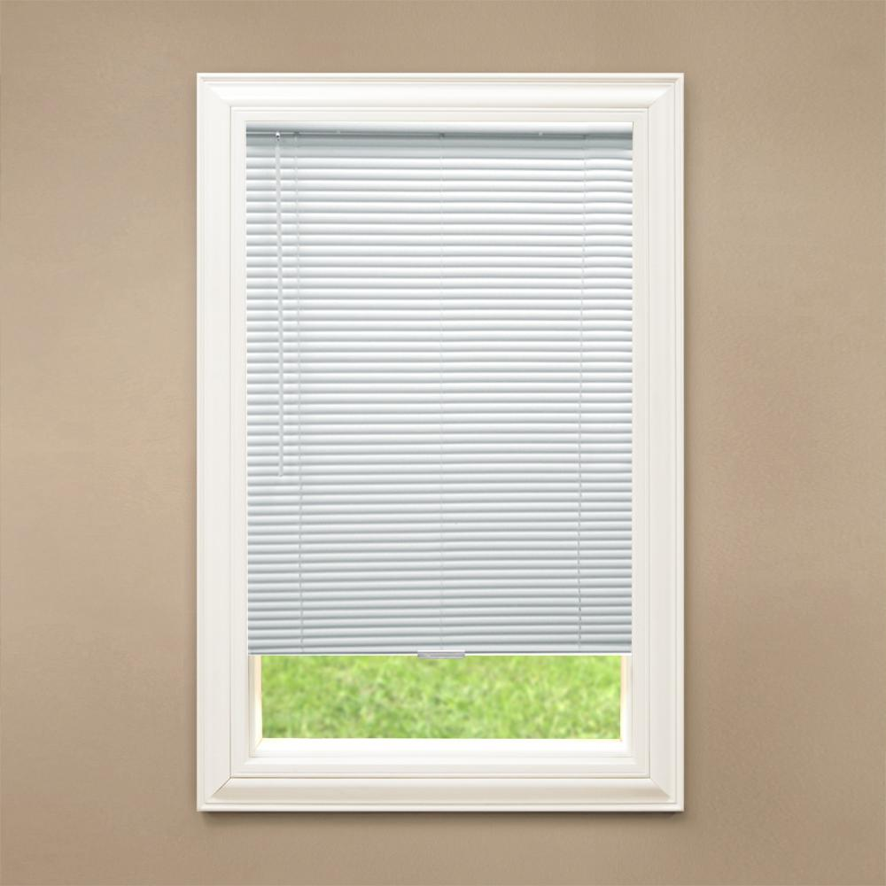 Hampton Bay White Cordless 1 In Blackout Vinyl Blind 34 5 In W X 48 In L Actual 34 In W X 48 In L In 2020 Vinyl Blinds Vinyl Mini Blinds Blinds