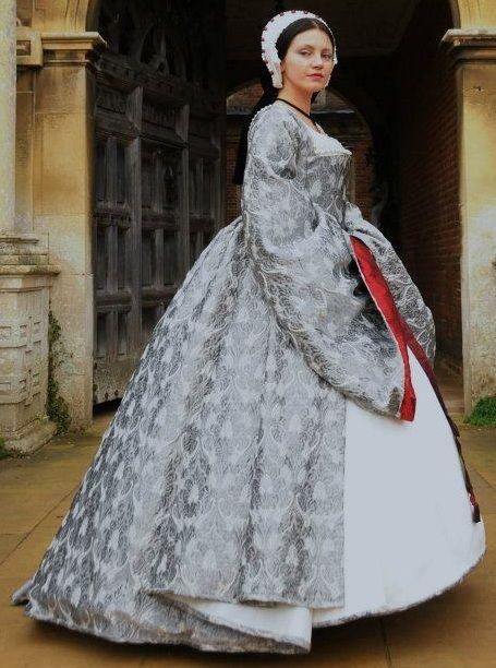 Silver Wedding Gown #sca #garb #tudor | Tudor, Elizabethan ...