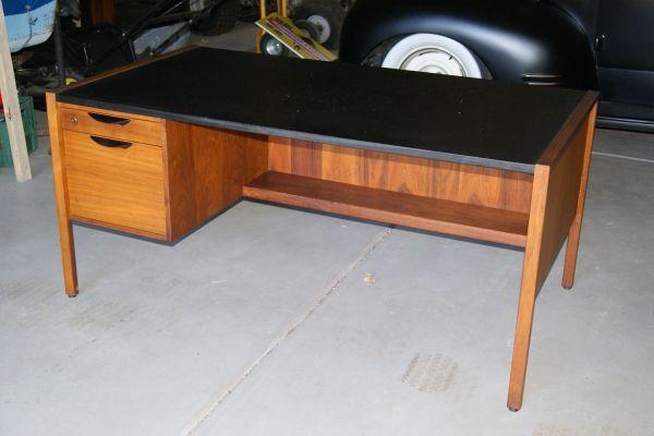 Image 0 Desk Wood Desk Franktown