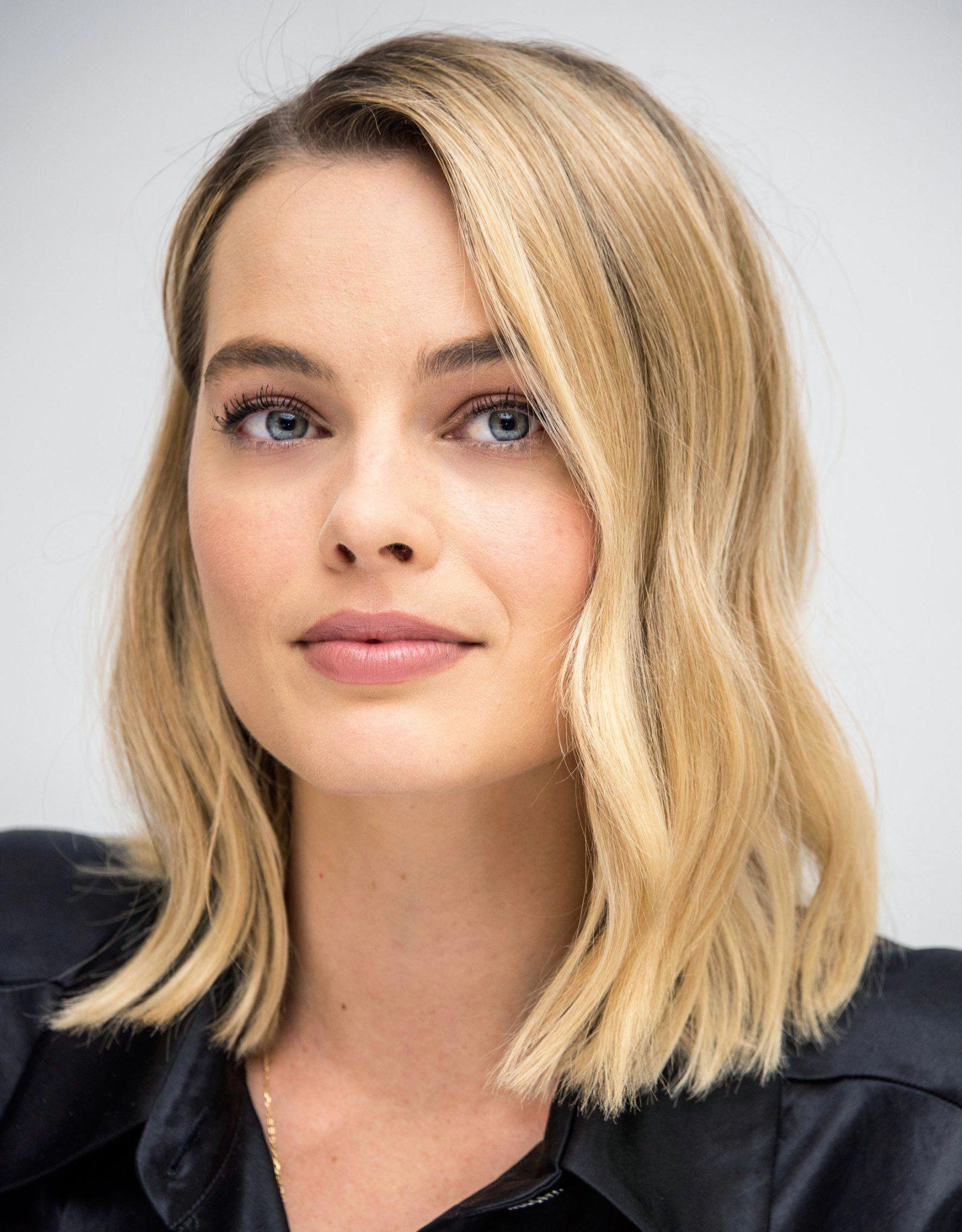 Margot Robbie In 2020 Falowane Wlosy Fryzury