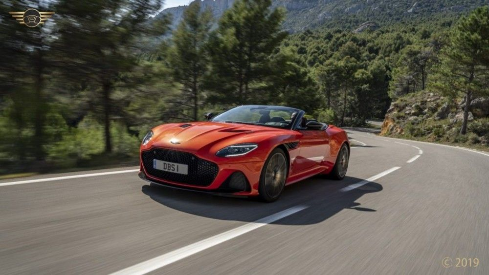 Auto di lusso veloci di qualita eccezionale Auto di lusso veloci di qualita eccezionale Il centro