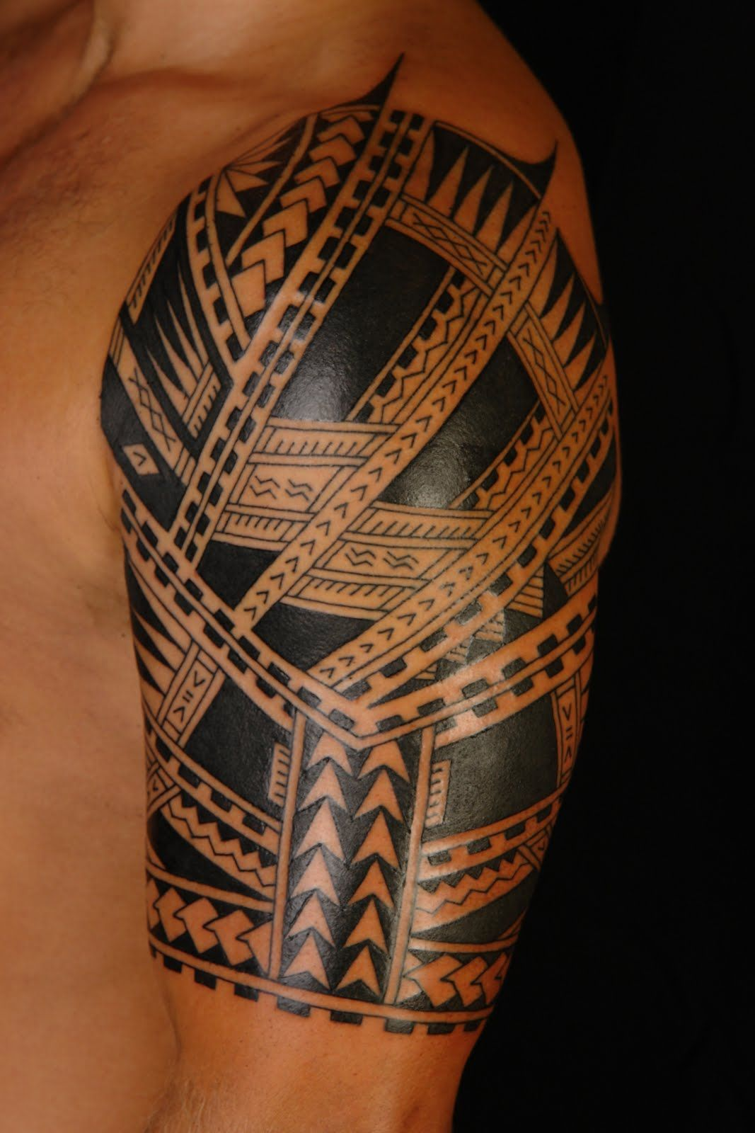 maori tattoos polynesian tattoos pinterest maori tattoo and maori tattoos. Black Bedroom Furniture Sets. Home Design Ideas