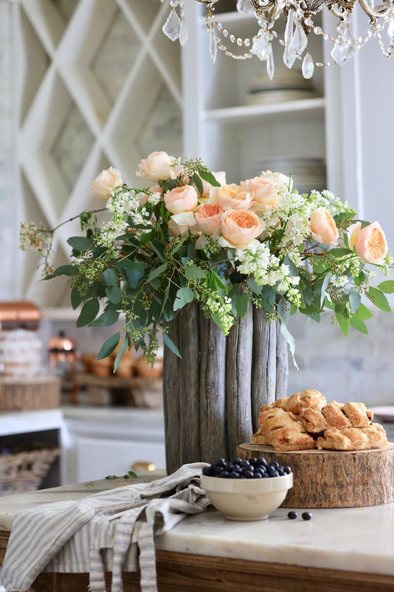 20 Minute Decorating Easy Elegant Flower Arrangement French Country Cottage Country Flower Arrangements Arrangement Flower Arrangements