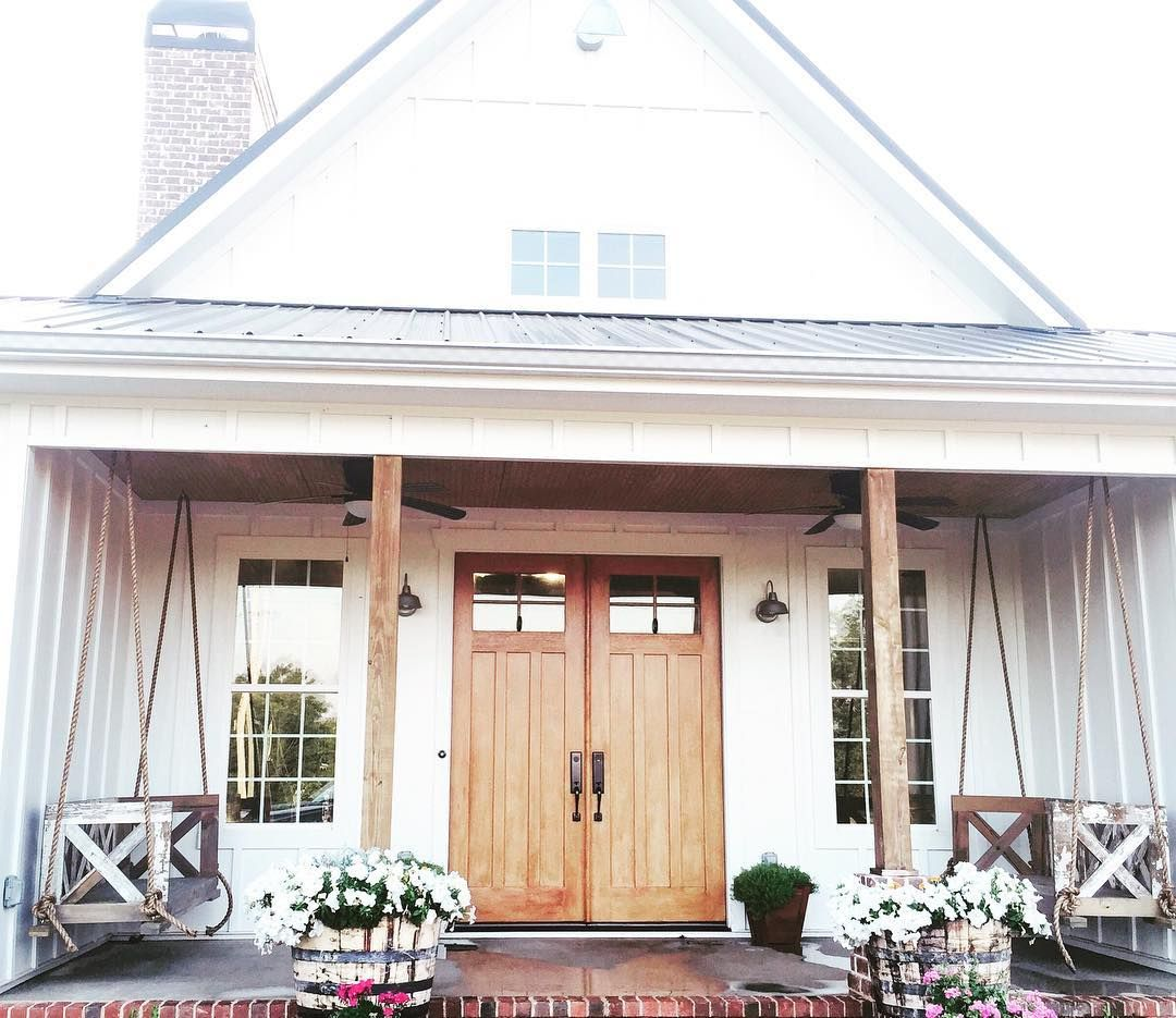 37 Likes 9 Comments Fresh Collaborative Freshcollaborative On Instagram Front View Of T Modern Farmhouse Exterior Modern Farmhouse Porch House Exterior