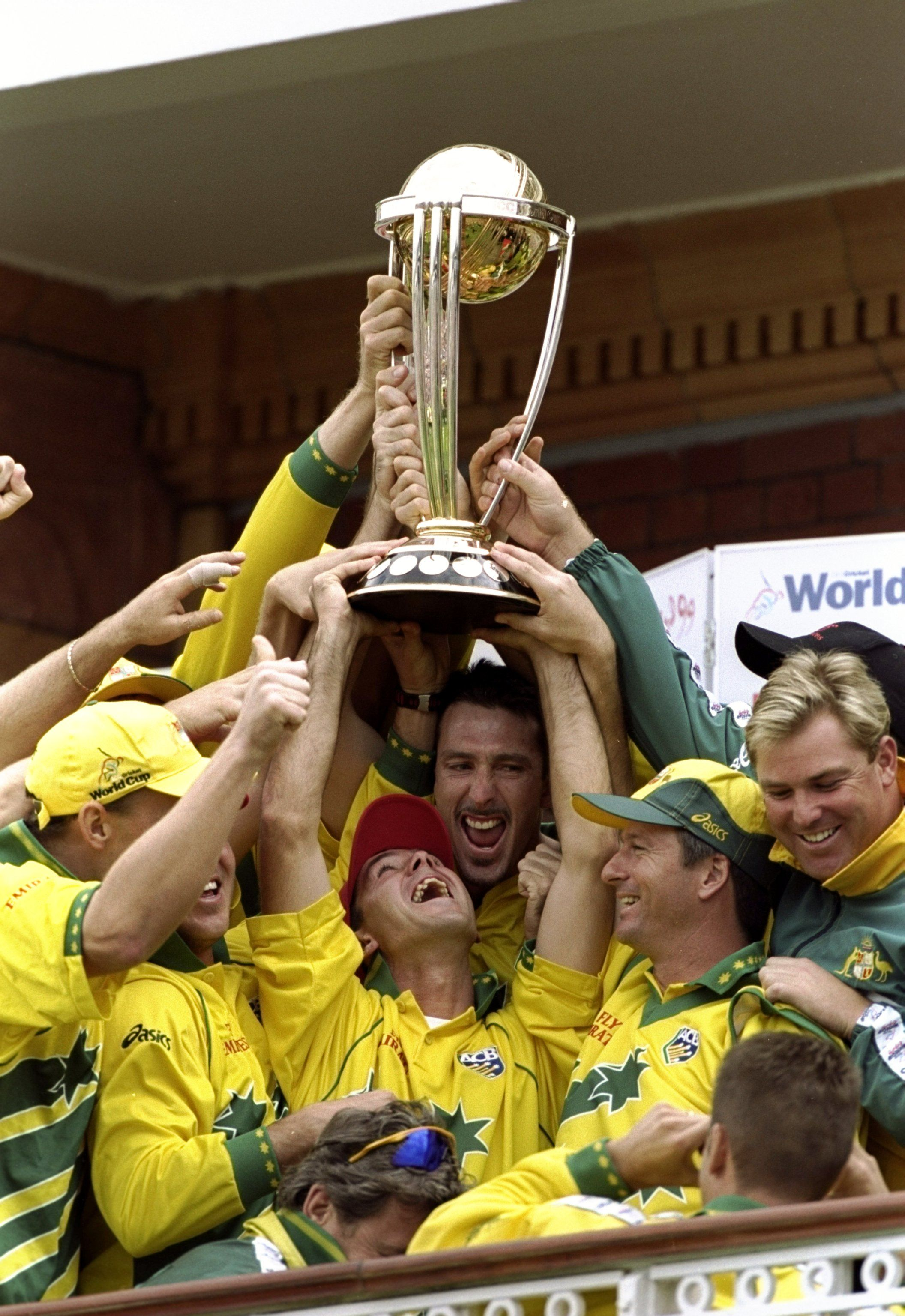 Australia Lift The Trophy After Victory In The 1999 Cricket World Cup Final Over Pakistan At Lord S Australia Won By History Lessons Cricket Cricket World Cup