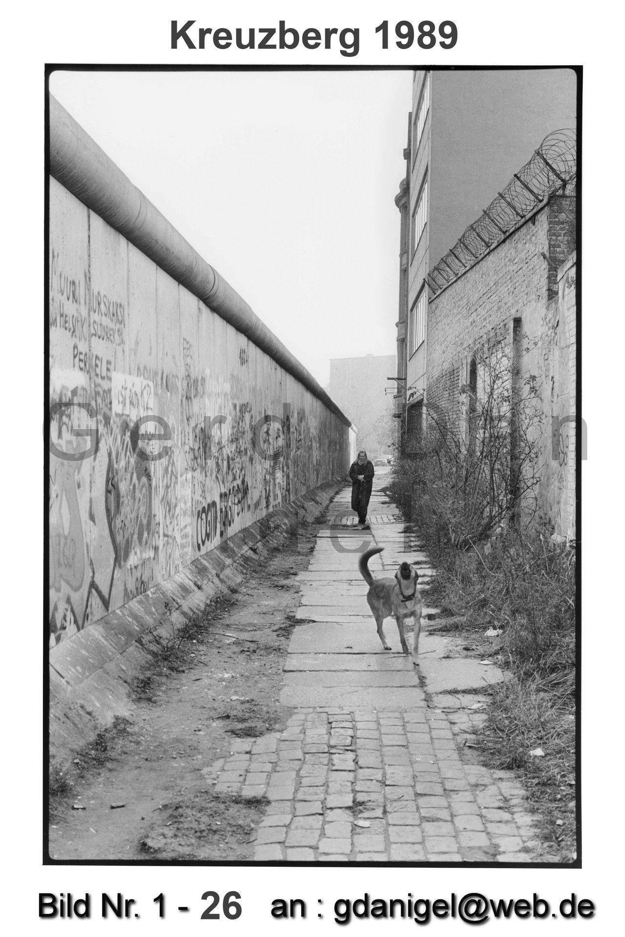 Web De Online Speicher Bildarchiv Mit 1660 Photographien Berliner Mauer Berlin Geschichte Bilder