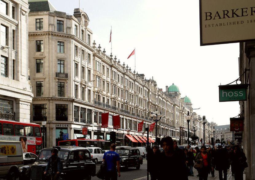 London \\ Regent Street unglaublicher Verkehr
