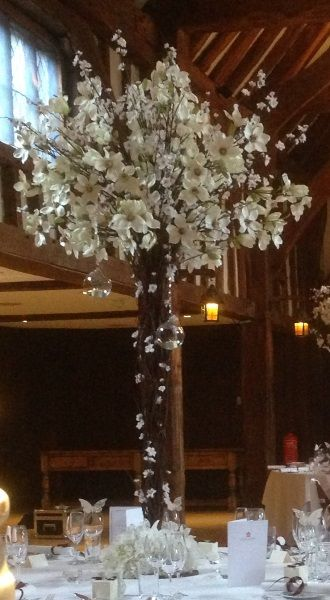 Std Blossom Flower Tree Table Centrepiece 5ft Tall 4ft Canopy Tallest Point Of Branches 5 5ft Neutr Candelabra Flowers Tree Centerpieces Flowering Trees