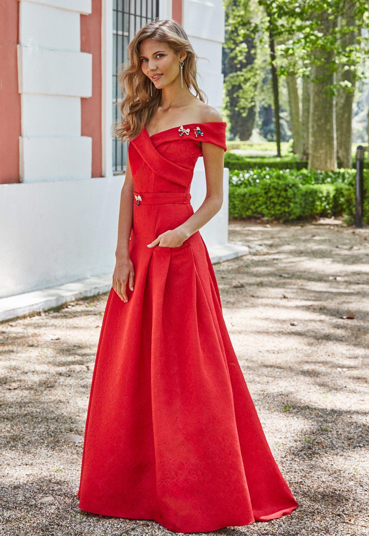 e24558bd9 Tienda de vestidos de fiesta y madrina en Madrid de Ana Torres colección  2018 modelo 18058A