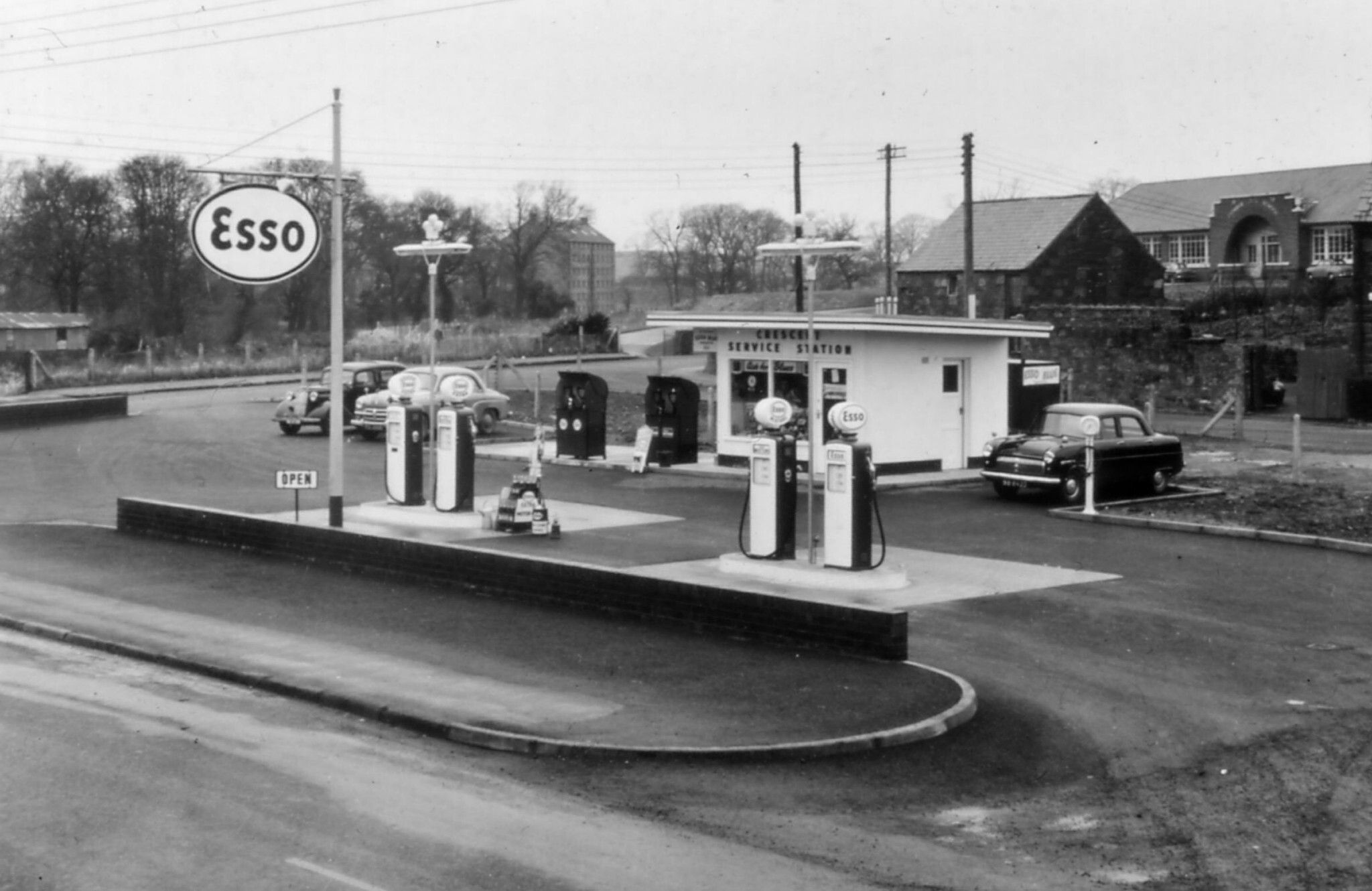 Esso Gas Station Old gas stations, Gas station, Service