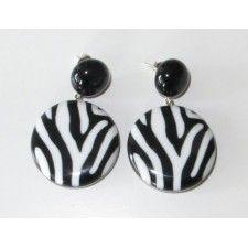 ZSISKA oorbel zwart wit zebra dessin, ronde hanger, zilveren steker HAND MADE